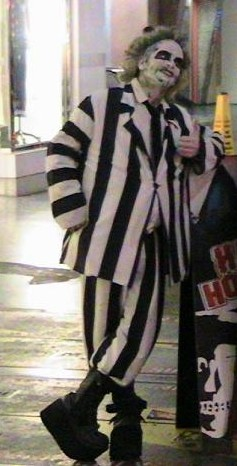 gerard_beetlejuice_leaning_hollywood_1_smaller.jpg