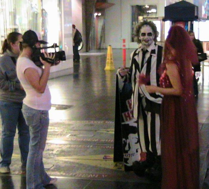 gerard_beetlejuice_melissa_lydia_being_filmed_medium.jpg